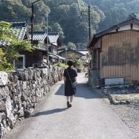 石垣が続く菅浦ならではの風景