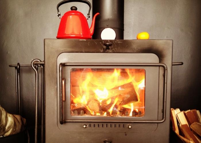 火のある暮らし 〝薪ストーブ〟