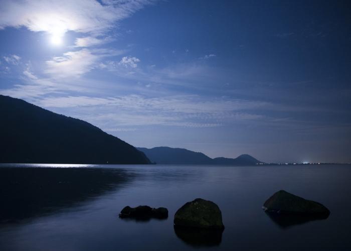 水田に映る月の姿を撮りにいきませんか