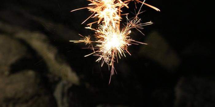 家族と楽しむ花火