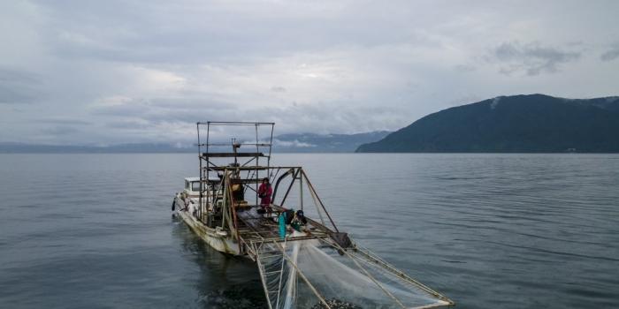 小鮎の沖すくい網漁